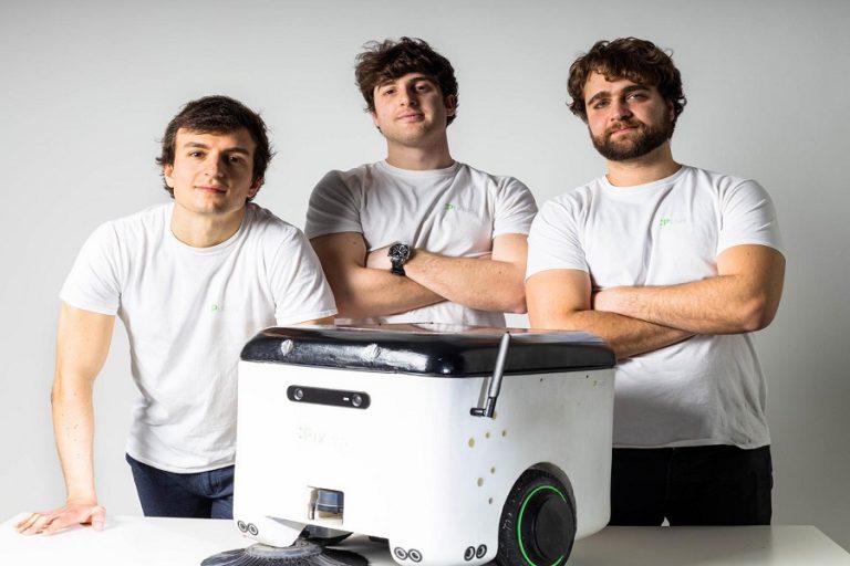 Robot a energia solare